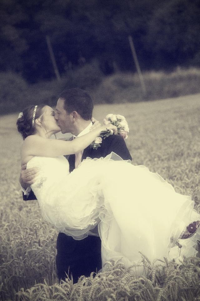 Catrin Donato Farbridge Barn Wedding  0354