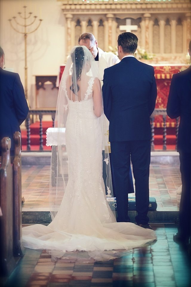 bartholomew barn wedding photographers Justine Claire 0032