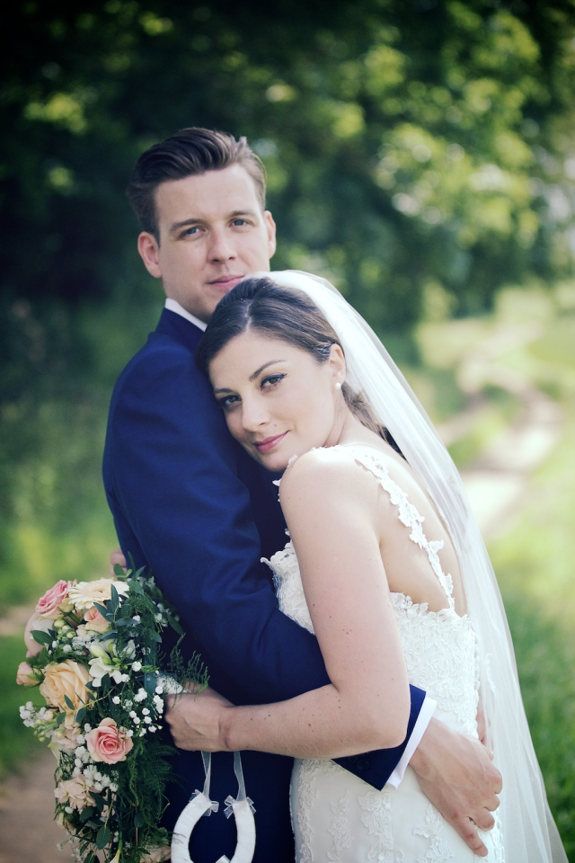 bartholomew barn wedding photographers Justine Claire 0066