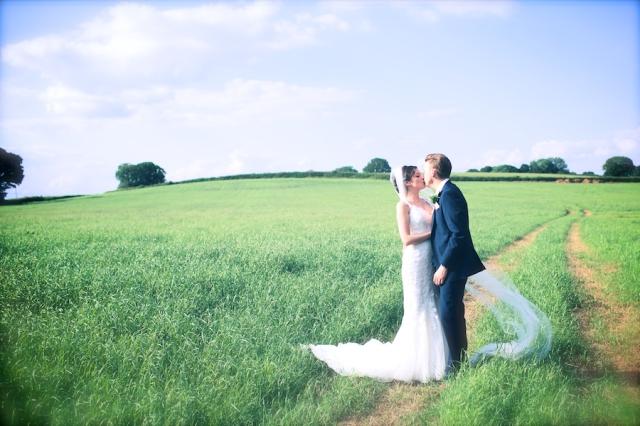 bartholomew barn wedding photographers Justine Claire 0095