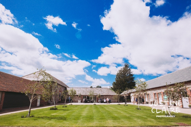 Farbridge Barn Wedding Photographers, West Sussex Wedding Photos3