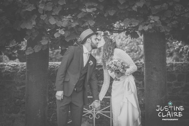 Social files Grittenham Barn Wedding Sally Alex-530