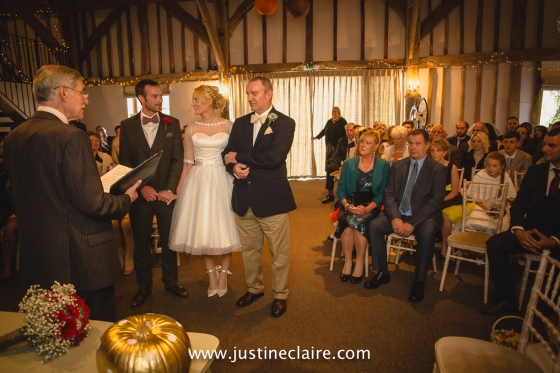 fitzleroi barn wedding photographers sussex best reportage photography-10