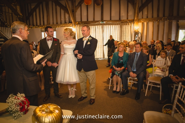 fitzleroi barn wedding photographers sussex best reportage photography-10