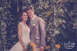 Oakwood Maedow Tinwood Lane West Sussex wedding photographers reportage female-111