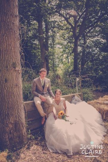 Oakwood Maedow Tinwood Lane West Sussex wedding photographers reportage female-114