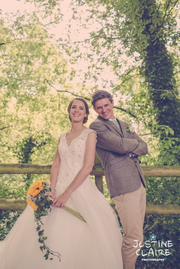 Oakwood Maedow Tinwood Lane West Sussex wedding photographers reportage female-119