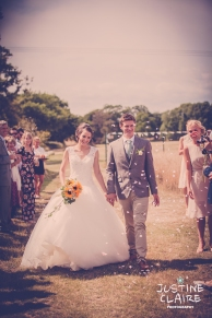 Oakwood Maedow Tinwood Lane West Sussex wedding photographers reportage female-130