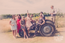 Oakwood Maedow Tinwood Lane West Sussex wedding photographers reportage female-142