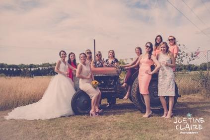 Oakwood Maedow Tinwood Lane West Sussex wedding photographers reportage female-151