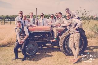 Oakwood Maedow Tinwood Lane West Sussex wedding photographers reportage female-155