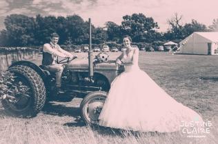 Oakwood Maedow Tinwood Lane West Sussex wedding photographers reportage female-156