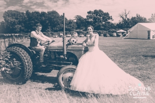 Oakwood Maedow Tinwood Lane West Sussex wedding photographers reportage female-156