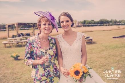 Oakwood Maedow Tinwood Lane West Sussex wedding photographers reportage female-165