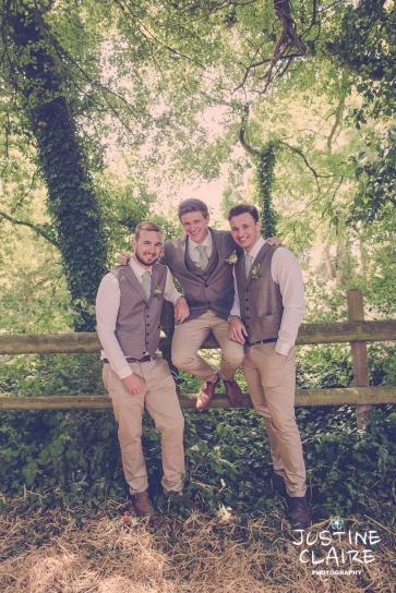 Oakwood Maedow Tinwood Lane West Sussex wedding photographers reportage female-18