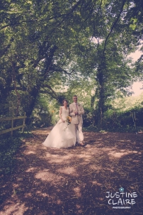Oakwood Maedow Tinwood Lane West Sussex wedding photographers reportage female-34
