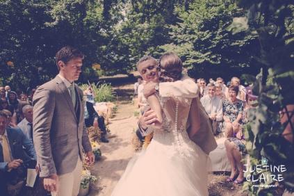 Oakwood Maedow Tinwood Lane West Sussex wedding photographers reportage female-41