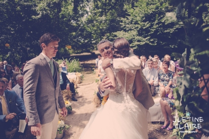 Oakwood Maedow Tinwood Lane West Sussex wedding photographers reportage female-41