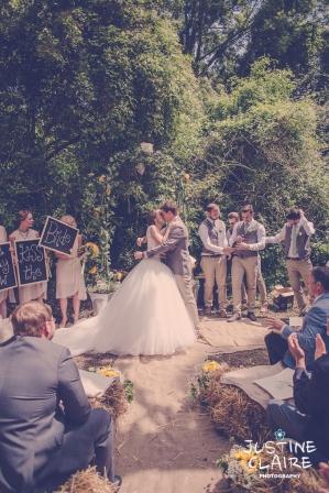 Oakwood Maedow Tinwood Lane West Sussex wedding photographers reportage female-62