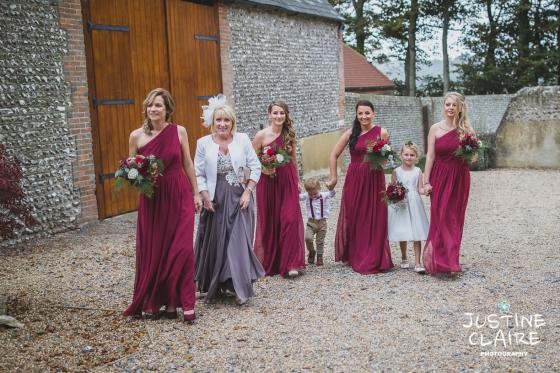 wedding photographer at Cissbury barn Findon Barn Venue Sussex reportage-17