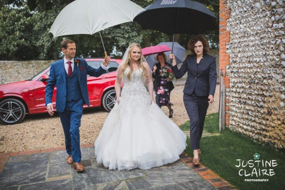 wedding photographer at Cissbury barn Findon Barn Venue Sussex reportage-19