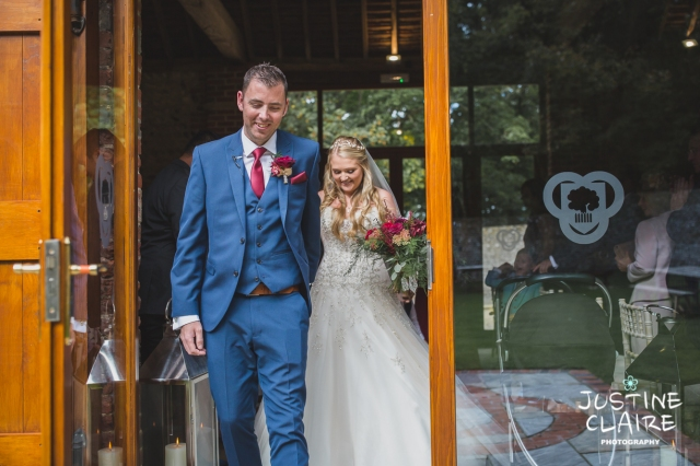 wedding photographer at Cissbury barn Findon Barn Venue Sussex reportage-31