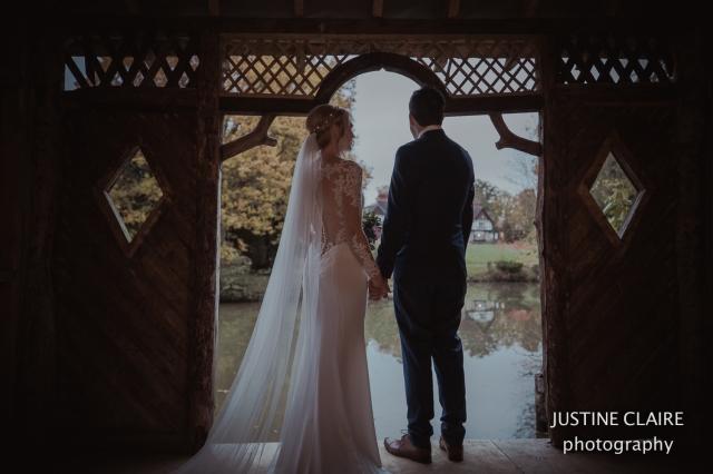 justine Claire the ravenswood sharpthorne venu wedding photographers -11