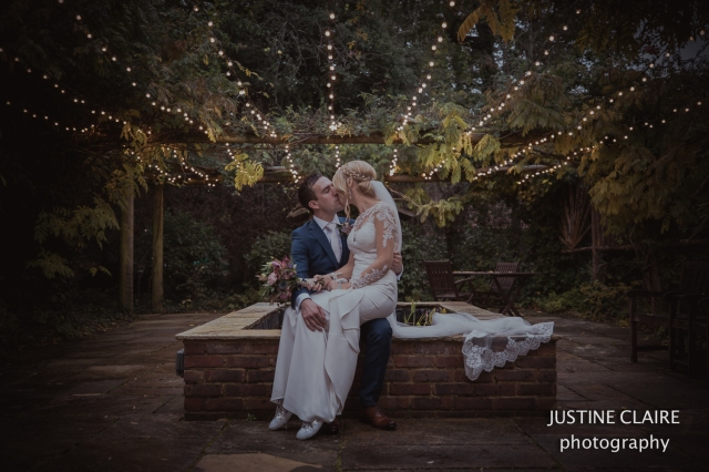 justine Claire the ravenswood sharpthorne venu wedding photographers -14