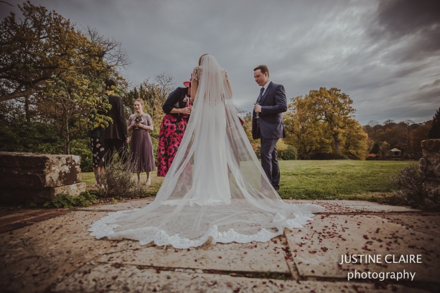 justine Claire the ravenswood sharpthorne venu wedding photographers -7