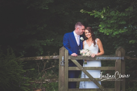 Sussex wedding photographers Angel Like Flowers bartholomew barn-102