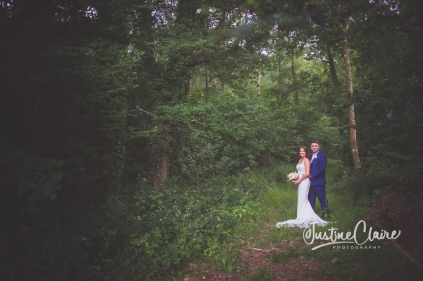 Sussex wedding photographers Angel Like Flowers bartholomew barn-110