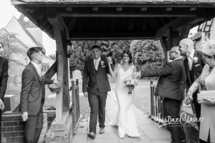 Sussex wedding photographers Angel Like Flowers bartholomew barn-60